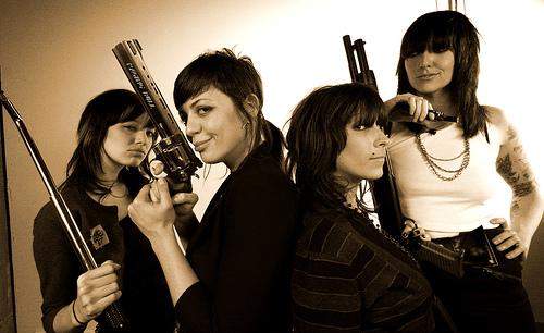 The Coathangers: A viagem pelo som riot girl mas sem esquecer do Le Tigre + White Lung